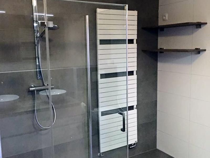 Ruime badkamer met luxe uitstraling | Bouwcenter